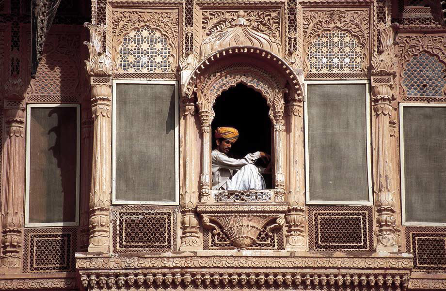 Man in window, Jaisalmer