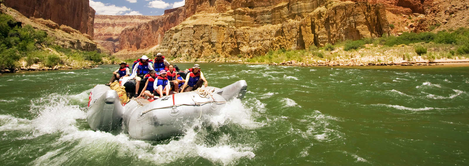 Rafting down the Colorado River, Grand Canyon, USA