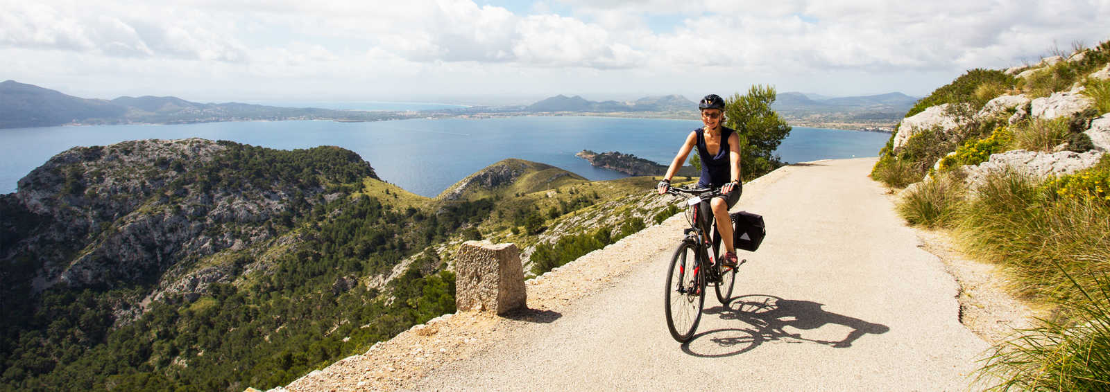 Cycling towards the Talaia d'Albercutx