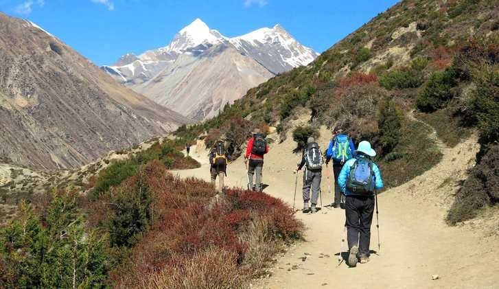 Trekkers on the mini-Annapurna Circuit