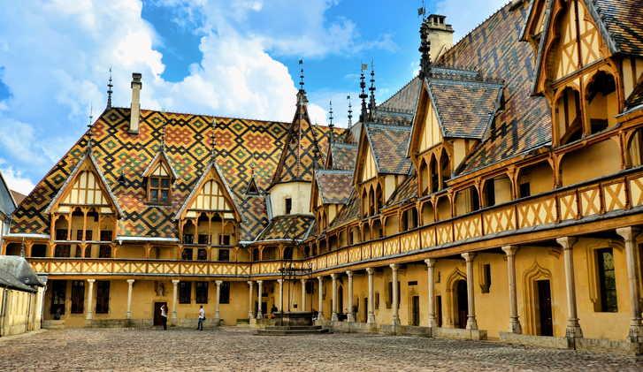Hotel Dieu Courtyard, Beaune